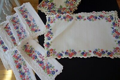 Littwitz Company ,linen Placemats,tablerunner,lapkins W/embroidered Flowers