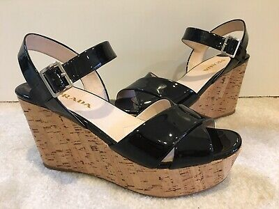 5ffe2e494535 PRADA  Donna  Cork Wedge Black Patent Leather Sandals Size 39EUR 9US New w