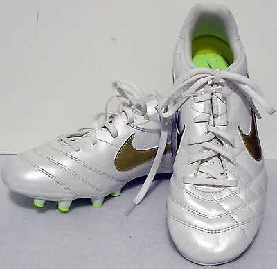 Nike girls Youth Tiempo Soccer Cleats Shoes White Gold Green sports size 6 #Y417