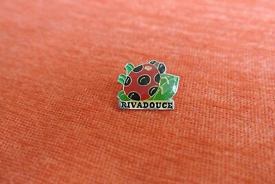 17967 Pins Pin's Beaute Soin Savon Rivadouce Coccinelle