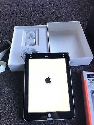 Apple iPad 6th Gen 128GB, Wi-Fi, 9.7in - Silver 2018