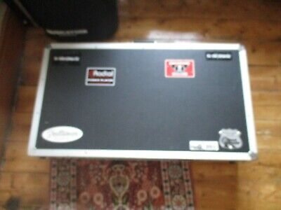 Road Ready professional Guitar Pedal board flight case 32 inch RRP £154