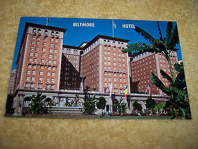 Vintage -- Post Card -- The Biltmore Hotel Facing Pershing Square,  Cal.