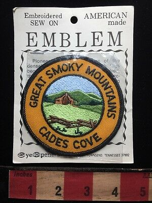 Vtg CADES COVE GREAT SMOKY MOUNTAINS NATIONAL PARK Tennessee Souvenir Patch 711