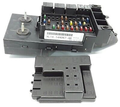 99-02 ford expedition navigator fuse box relay junction block 1l1t-14a067-aa