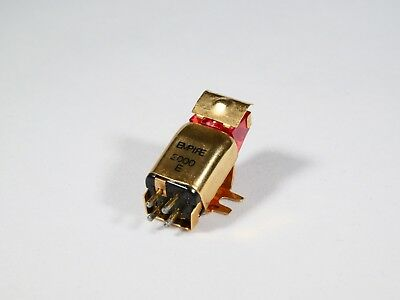 Empire 2000E MM Cartridge with the original stylus and needle cover.