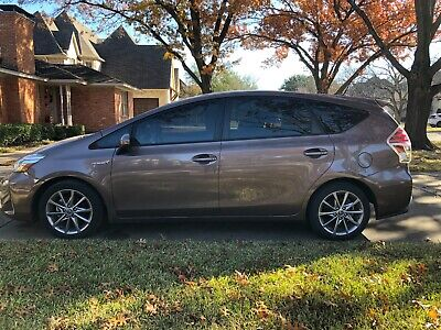 2016 Toyota Prius V Five 2016 Toyota Prius V Five - Toasted Walnut Pearl with Bisque Interior