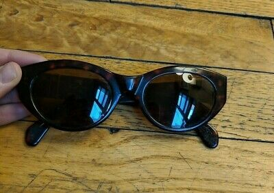425bc879b4d23a Vintage Persol Women s Tortoise Shell Colored Sunglasses