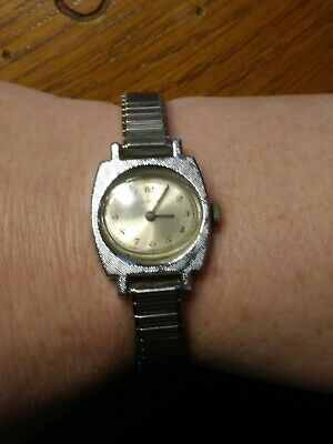 Vintage Womens Timex Windup Wristwatch Chrome Plated Stainless Steel WORKS