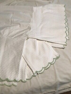 Pottery Barn Kids Baby Crib Skirt White Quilted Matelasse Green Scallop Edge EC