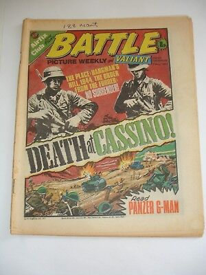 BATTLE PICTURE WEEKLY and VALIANT comic 7th May 1977