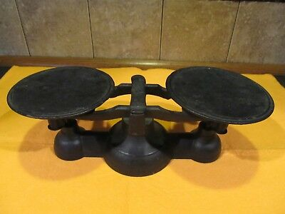 """Vintage Antique Cast Iron Metal Scale 4"""" Tall 4 7/8""""  Pans + 4 weights"""