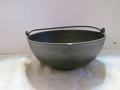 Antique Footed Cast Iron Pot / Kettle Gate Marked