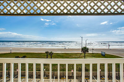 2 Nights: Victorian 8303-Seahorse at the Beach Condo by RedAwning ~ RA132388