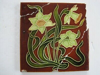 ANTIQUE RELIEF MOULDED ART NOUVEAU DAFFODIL TILE - H. RICHARDS - c1907