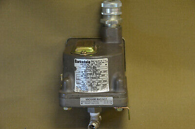 Barksdale D1T-H18SS Pressure or Vacume Actuated Switch         (5-B)