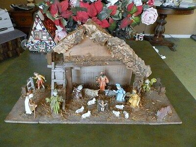 Older Christmas Nativity Set Figures Wood Creche All One Piece Sides Fold Up