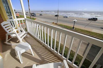2 Nights: Victorian 1205-Room with a View Condo by RedAwning ~ RA132364