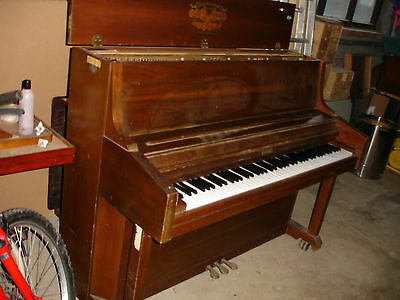 1983 Vintage Retro Antique Cherry Wood Kimball Upright Piano Model 4430 USA
