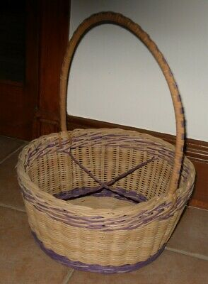 Traditional Wicker Basket for Shopping/Picnics Display Vintage - Country Style