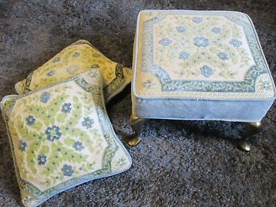 Vtg Plush Tapestry Foot Stool Queen Anne 4 solid Brass Legs+ 2 matching pillows