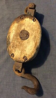 Early Vintage Antique Cast Iron Wood Pulley Block & Tackle Hay Loft Barn Tool