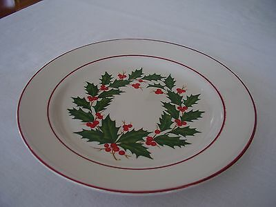 """Homer Laughlin Holly Berry Wreath No Ribbon 9 7/8"""" Dinner Plate FREE SHIPPING."""