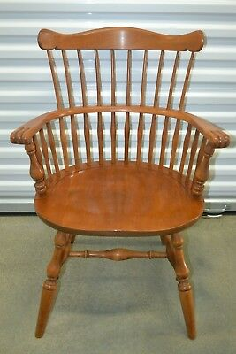 Ethan Allen Heirloom Dining Armchair Governor Carver Maple #10-6082A Nutmeg