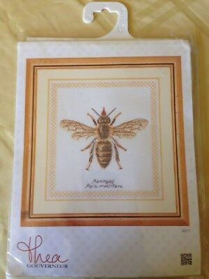"""Thea Gouverneur Bumble Bee On Aida Counted Cross Stitch Kit-7.75/""""X8.25/"""" 16 Count"""