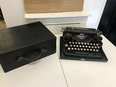 VINTAGE 1930s USA UNDERWOOD PORTABLE TYPEWRITER