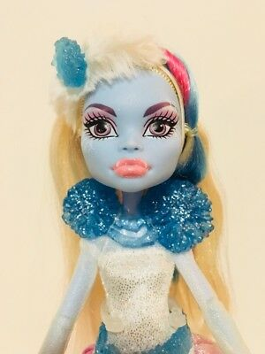 """Monster High 11"""" Doll ABBEY BOMINABLE GHOUL'S RULE GHOULS Snow Monster"""