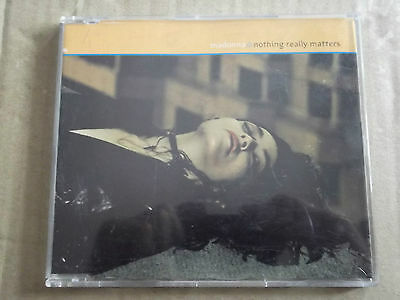 Madonna - NOTHING REALLY MATTERS  CD single   W471CD2