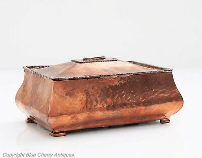 Antique Arts & Crafts Hand Made and Planished Bombe Shape Copper Box c1890