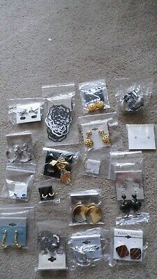 Joblot of 17 Pairs Womens Fashion Earrings Assorted Styles