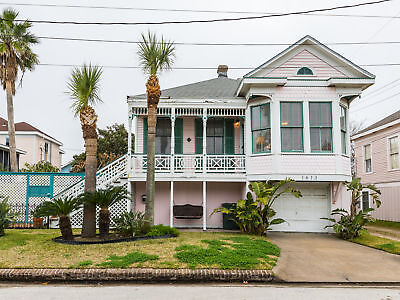 3 Nights: 1613 19th St Home at Galveston Home by RedAwning ~ RA183579