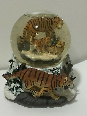 Siberian Tiger Snow Scene Music Box Water Snow Glitter Globe Figure