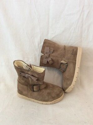 Girls Clarks Brown Suede Boots Size 6.5G