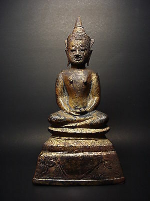 RARE GILDED BRONZE MEDITATING AYUTTHAYA CROWNED BUDDHA, MID 17th C. THAILAND