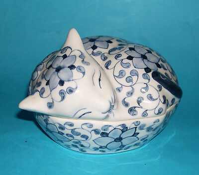 Vintage Art Pottery Attractive Blue-White Sleeping Cat Design Large Lidded Dish