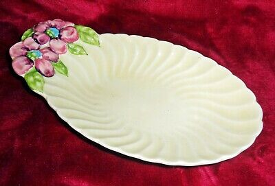 Clarice Cliff Royal Staffordshire Scallop Shaped Dish (Pattern No. 120A)