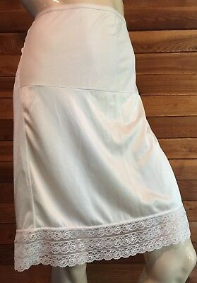 VINTAGE LOVEPATS Mothers to be IVORY SIZE MEDIUM HALF SLIP   #8580