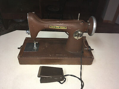 Antique New Home Light Running Sewing Machine Model Nlr With Case & It Works !!