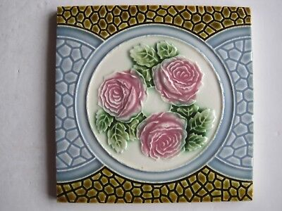 Antique Art Nouveau Majolica Glazed Moulded Tile - Triple Rose Design In Roundel