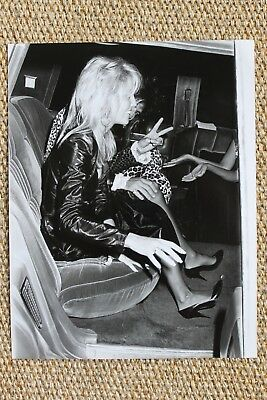 Motley Crue Tommy Lee Heather Locklear Photo Paparazzi Photo Picture The Dirt