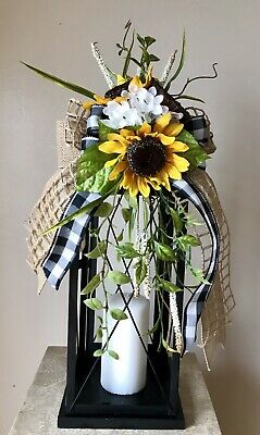 """SUNFLOWER GARDEN"" (Black Gingham) - Spring Summer Fall Anytime Lantern Swag"