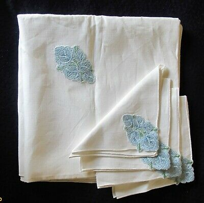 Vtg 4 Soft Cotton Hand Embroidered Table Napkins and Table Cloth New/Old