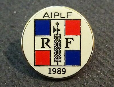 Pin's badge  Association internationale des parlementaires de langue française