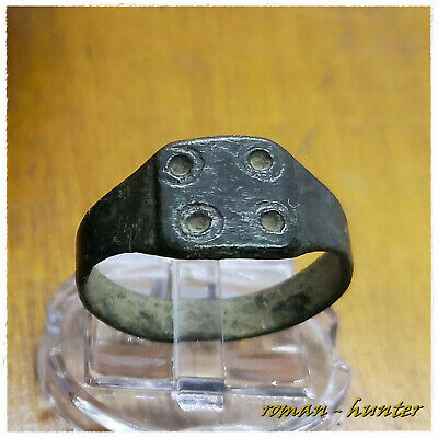 """ FOUR CIRCLES "" ANCIENT BRONZE ROMAN RING ( III-I century BC )"