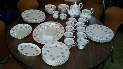 """ROYAL ALBERT- """"FORGET-ME-NOT ROSE"""" - 62 pieces BONE CHINA ENGLAND- Excellent"""