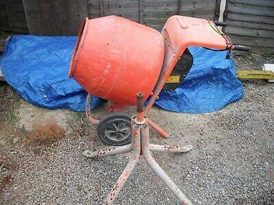 Belle Cement Mixer Minimix 150 130ltr with stand 240v good condition.